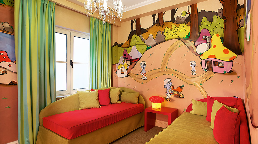 Family Graffiti Guestroom|Kids room