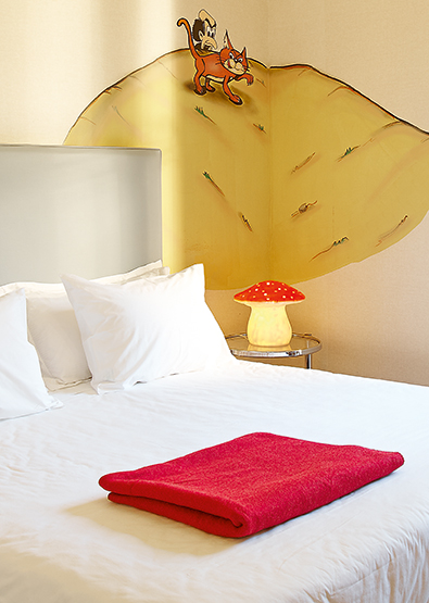 pallas-athena-grecotel-art-collection-family-graffiti-guestroom