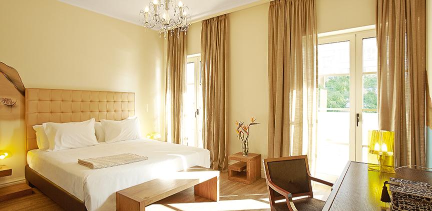 03-grecotel-pallas-athena-graffiti-premium-guestroom