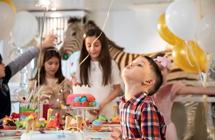 grecotel-pallas-athena-hotel-family-buffet